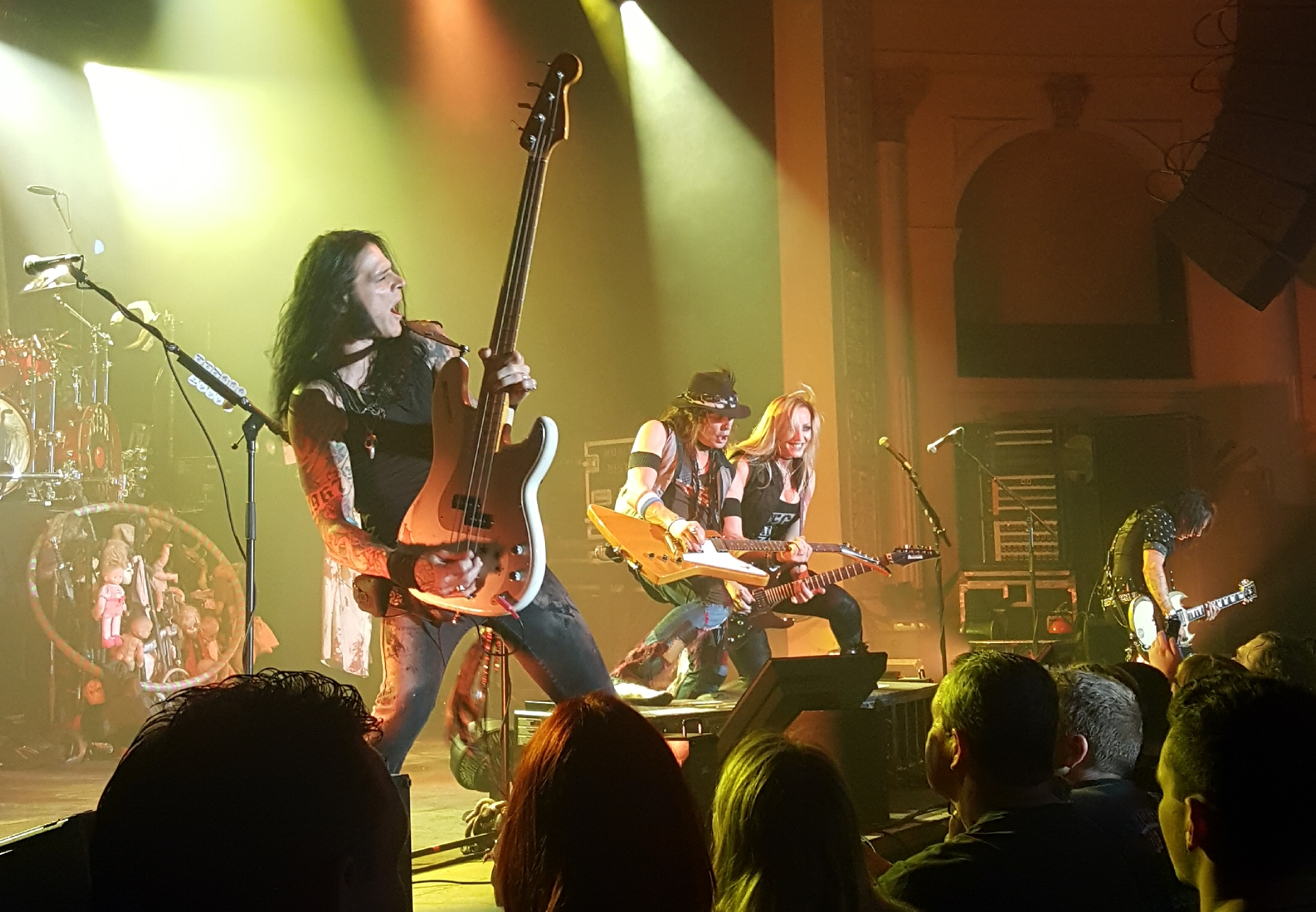 Live review ace frehley alice cooper thebarton theatre 19th crowd pleaser poison was up next followed by the number halo of flies from killer kristyandbryce Gallery