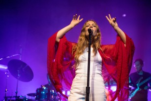 Maggie Rogers @ The Thebby 25.5.19_kaycannliveshots_08